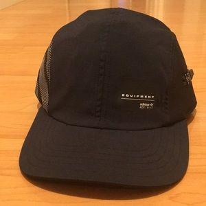 Adidas EQT hat with zipper *NEW*